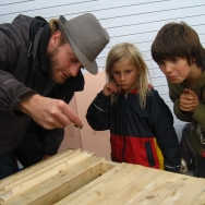 Geert teaching the children 2