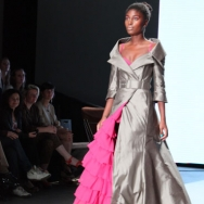 FRANK Model in grey and pink dress