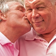 Gay Pride - Kissing men