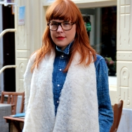 Overdose_Fashion-Population_Amsterdam-Street-Style_Big-Glasses_White-Wide-Scarf