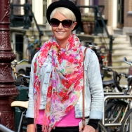 Overdose_Amsterdam-Street-Style_Fashion-Population_Floral-Scarf_Hat