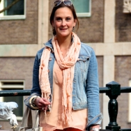 Overdose_Amsterdam-Street-Style_Fashion-Population_Peach-Top-and-Scarf