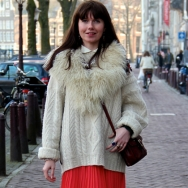 Overdose_Amsterdam-Street-Style_Fashion-Population_Pleated-Shirt_Blue-Tights