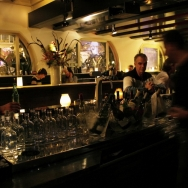 pop_up_wine_bar_bartender