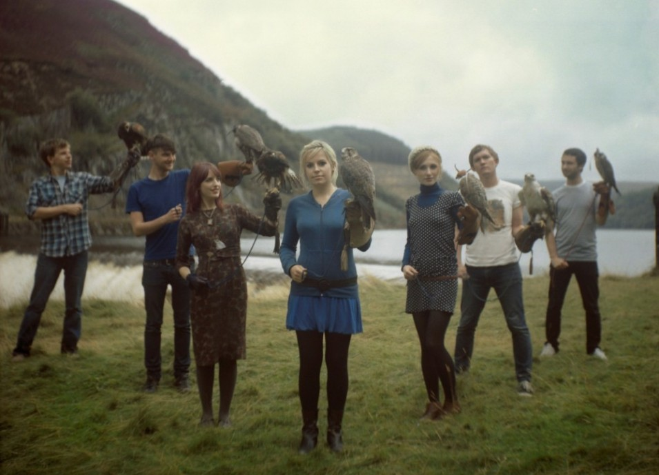 Seven piece Welsh indie pop band Los Campesinos! bring new album to Amsterdam