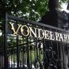 Steve McQueen turns Vondelpark into a blueish blues