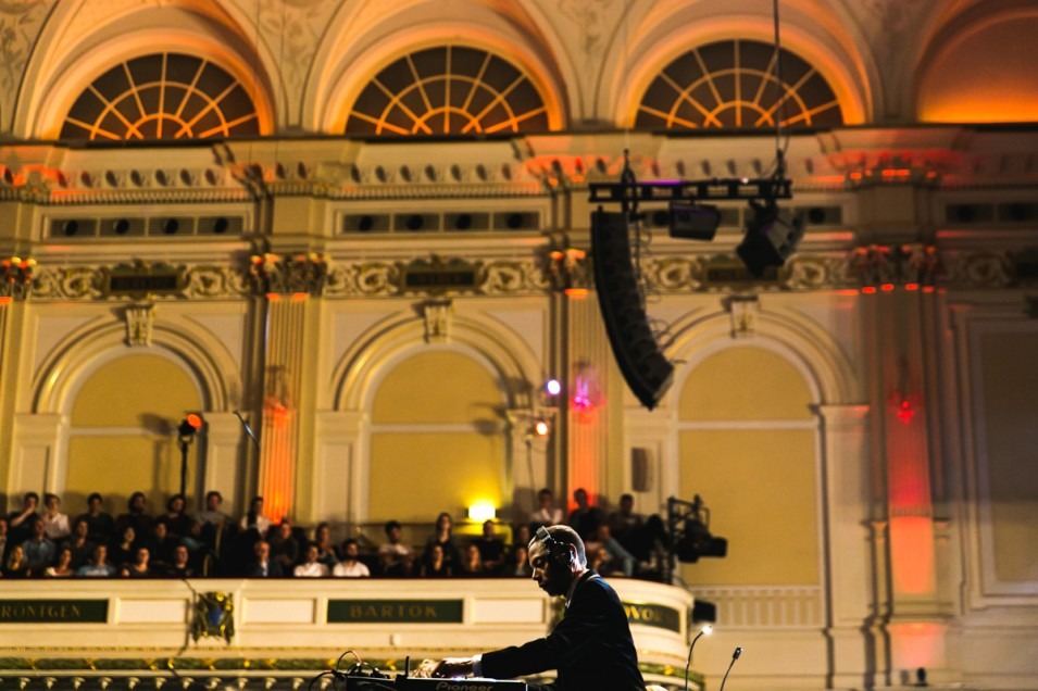 Visual storytelling with Jeff Mills in Het Concertgebouw