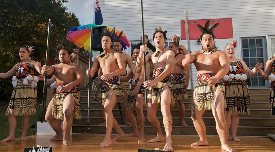 Express yourself through Māori culture during a Haka workshop